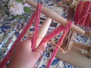 Starting a skein on the niddy