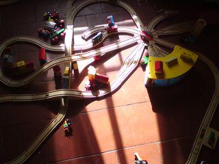 Complex train tracks