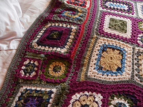Granny Square Sampler Afghan - Mousy Brown's House